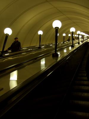 エスカレーターモスクワ地下鉄.JPG